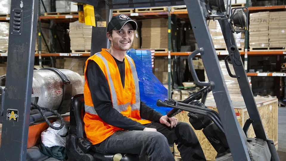 Courses – Getting an entry level job in warehousing (Level 1)